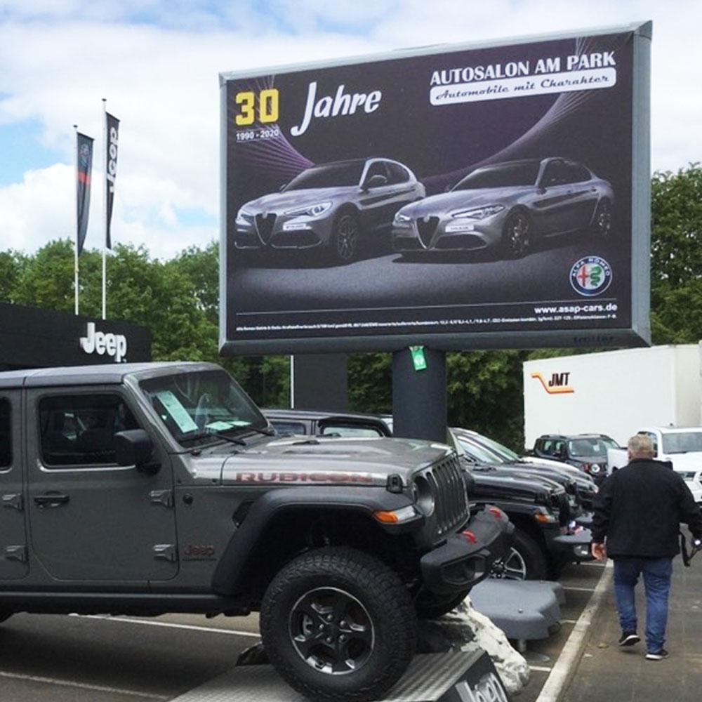Autosalon am Park 20 jahre kampagne deutchland trotter billboard aussenwerbung 1000x1000