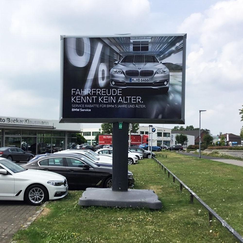 Kampagne BMW Auto Becker Klausmann Trotter aussenwerbung 1000x1000