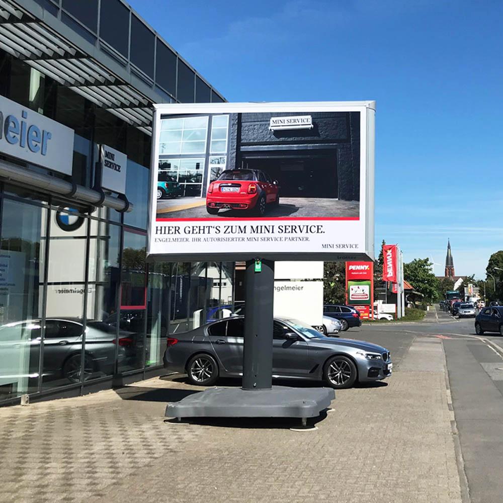 Kampagne Jungeblut & Engelmeier automotive trotter billboard aussenwerbung 1000x1000