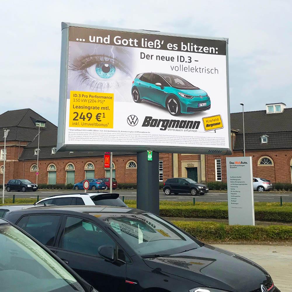 Kampagne Volkwagen und Audi Borgmann trotter werbeflache aussenwerbung 1000x1000