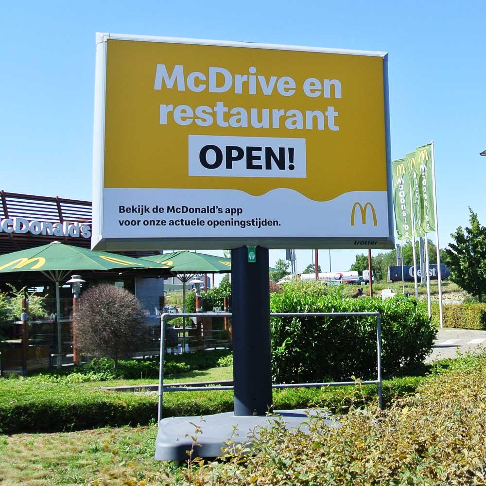 McDonalds campagne trotter billboards belgie vlaanderen heropening restaurants 1000x1000
