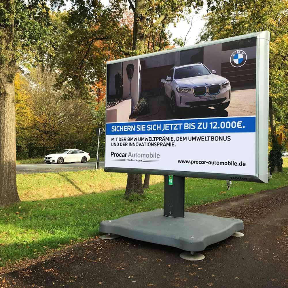 Kampagne Procar Automobile Trotter aussenwerbung werbeflache 1000x1000