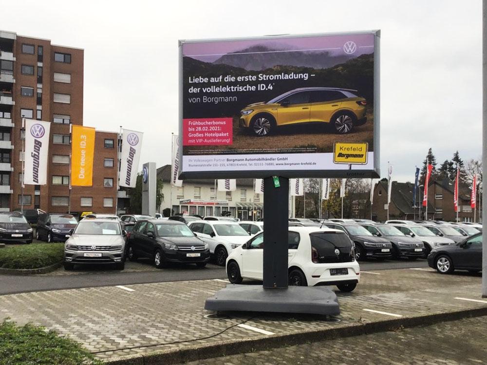 Kampagne ID.4 autohaus Borgmann Trotter billboard aussenwerbung werbeflache 1000x750